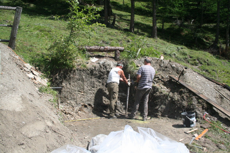 Aushubarbeiten - sofort wird die Schalung erstellt